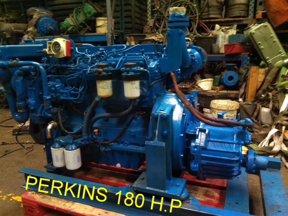 Motor perkins de 180 CV perfecto estado